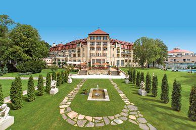 Thermia Palace EnsanaHealth Spa Hotel Slovakia
